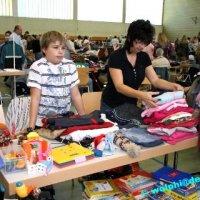 Spielzeug- und Kleidermarkt in der Rohrbachhalle